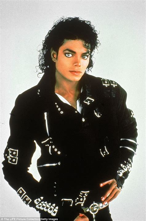 michael jackson biography for beginners michael jackson s daughter paris and family pay tribute on