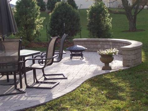 retaining wall bench rounded retaining wall bench front entry pinterest
