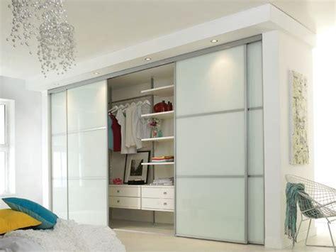 Glass Door Wardrobe Designs by Best 25 Glass Wardrobe Doors Ideas On Sliding