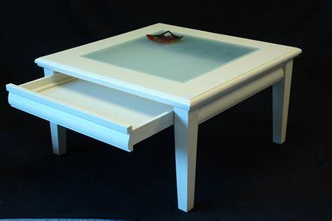 glastisch mit schublade dekorieren couchtisch wohnzimmertisch couchtisch massivholz in