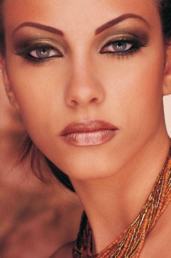 Eyeshadow Glamor modern glam evening looks modern woc