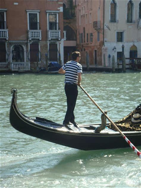 gondola boat driver la vie fran 231 ais venice with dennis
