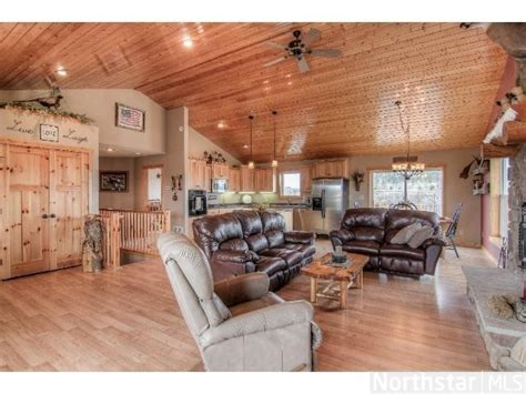 rustic woodsy motif open floor plan in dreams
