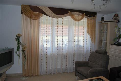 vorhänge im erker rustikal wohnzimmer