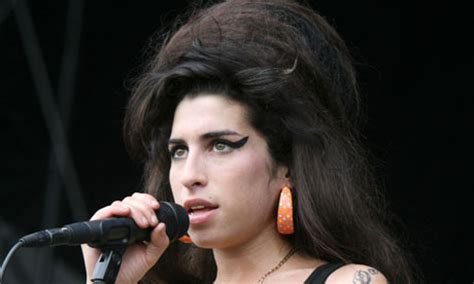 Female Singer Dying | amy winehouse obituary music the guardian