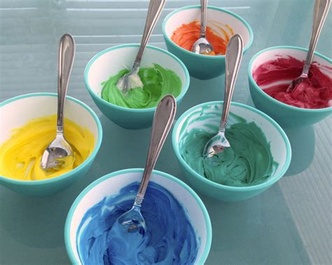 colored frosting easier sugar cookies school of decorating