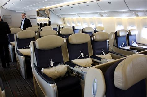 Jo In Raincoat Xl Intl Intl air l espace affaires business class onboard a