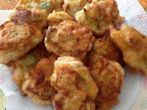 frittelle di fiori di zucca in pastella fiori di zucca in pastella semplici e veloci la cucina