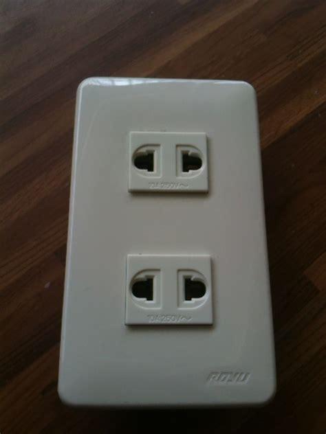 Outet Set royu 2 outlet set
