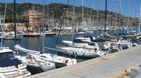 porto marina degli aregai bandiere premiati anche i porti di marina degli