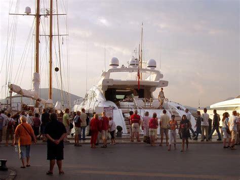 yacht in tagalog yacht