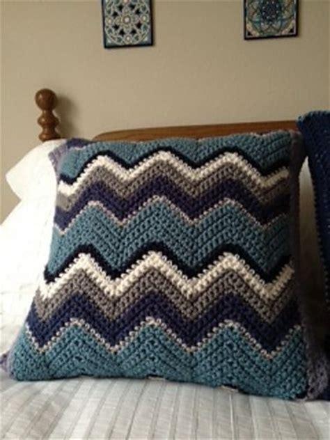 zig zag crochet cushion pattern zig zag pillow free pattern by lion brand yarn great way