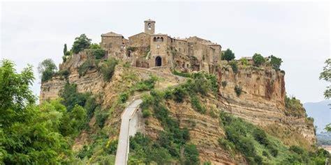 civita bagno regio 10 meravigliose citt 224 italiane da visitare a pasqua greenme