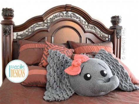 Elephant Pillow Rug by Crochet Elephant Rug Pattern Free Creatys For