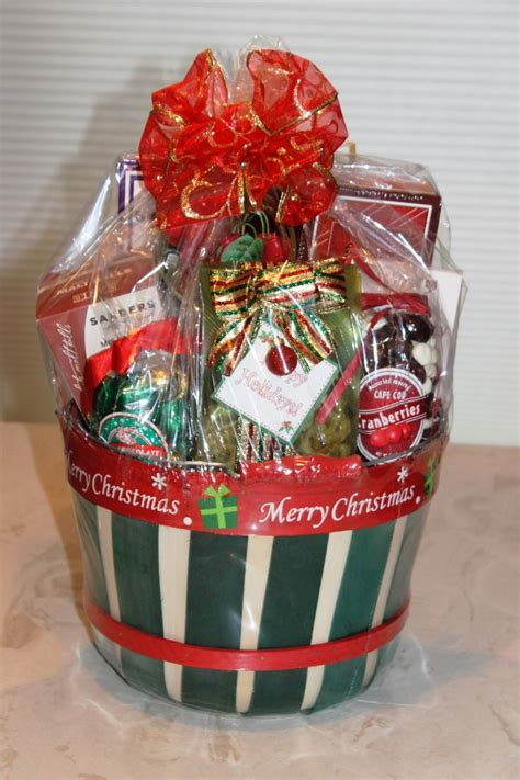 Holiday Basket One Of Many Holiday Basket Designs Bravo Baskets