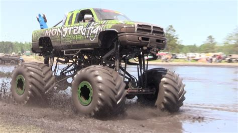 mudding trucks mud trucks gone wild south berlin mud ranch awesome