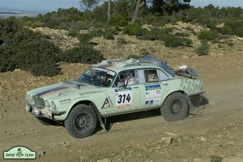 land rover dakar amtra team built jaguar range rover paris dakar rally car