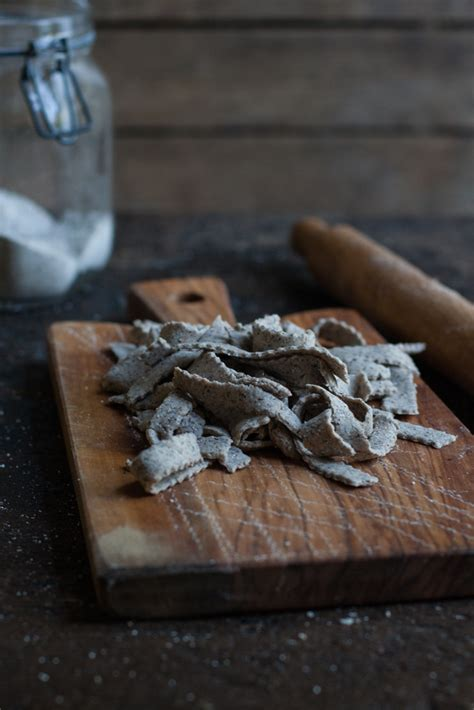 pizzoccheri fatti in casa pizzoccheri fatti in casa con zucca porcini e bitto con