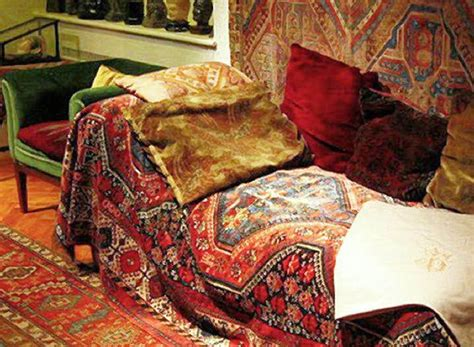 sigmund freud sofa sigmund freuds ma