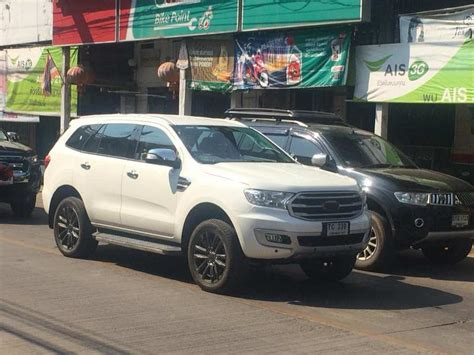 ford endeavour 2018 2018 ford endeavour facelift india launch price engine