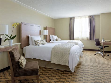 Rooms Toronto toronto classic hotel room chelsea hotel toronto