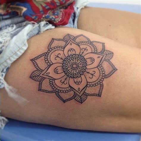 tattoo mandala coxa tatuagem feminina mandala personalizada estilo tattoo
