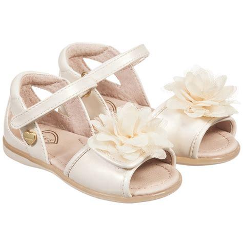 ivory childrens sandals mayoral ivory pearlescent flower sandals