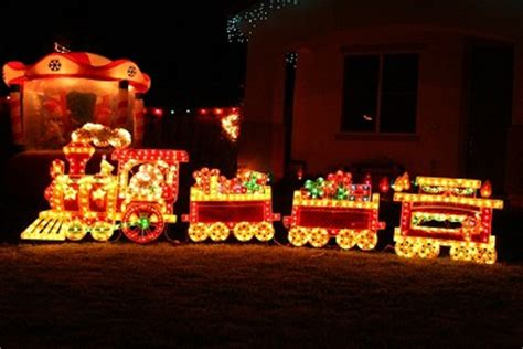 christmas decoration train ideas christmas decorating