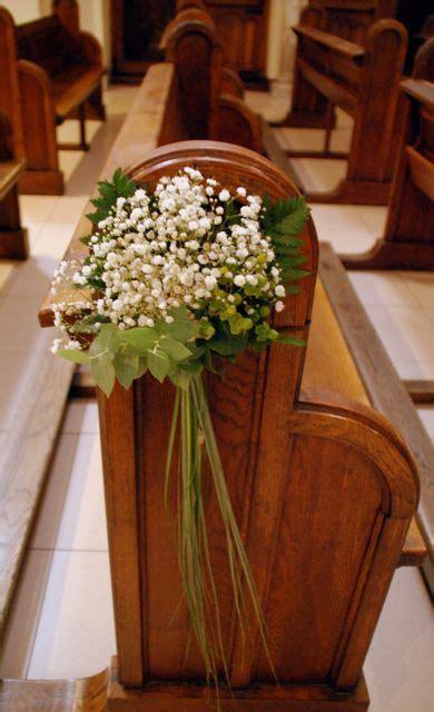 arreglos florales para confirmacion en iglesias resultado de imagen para como cuelgo flores en bancos