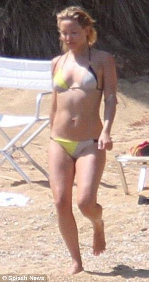 pubic hair showing wearing bathing suit women in bathing suits or shorts showing pubic hair
