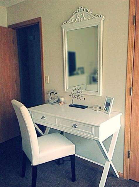 Big Lots Vanity by 206 Best Images About Room And Rest On Master Bedrooms King And King Quilts