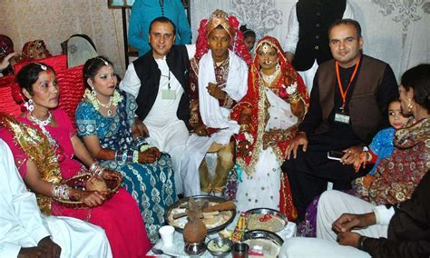Saptapadi, sindoor and sweets: 60 Hindu couples tie the