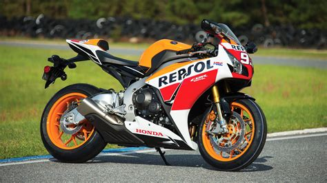cbr bike cbr bike 2015 honda cbr1000rr sp repsol review specs pictures