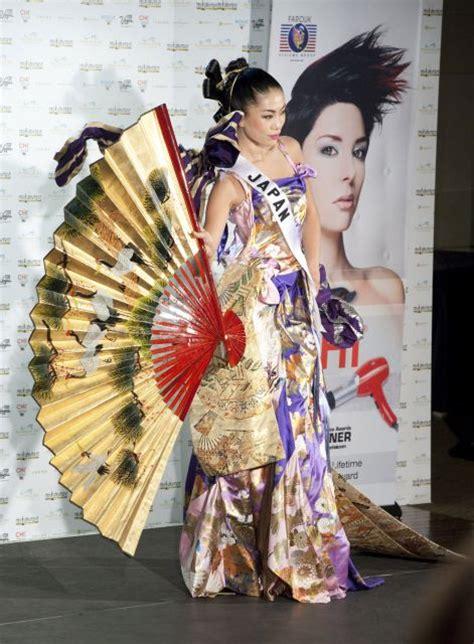imagenes de mis japon miss universo 2010 miss jap 243 n luce su traje regional con
