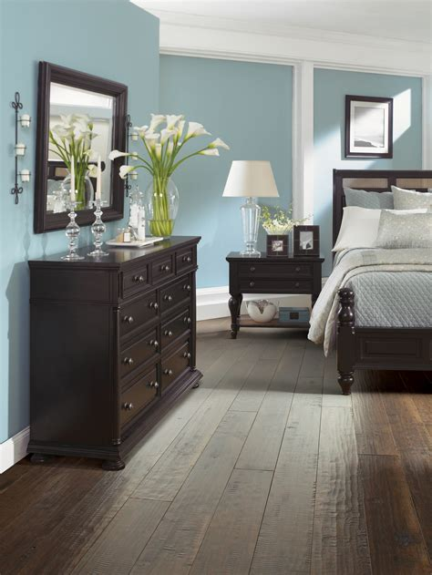 bedroom with dark furniture ci shaw floors bedroom hardwood flooring decobizz com