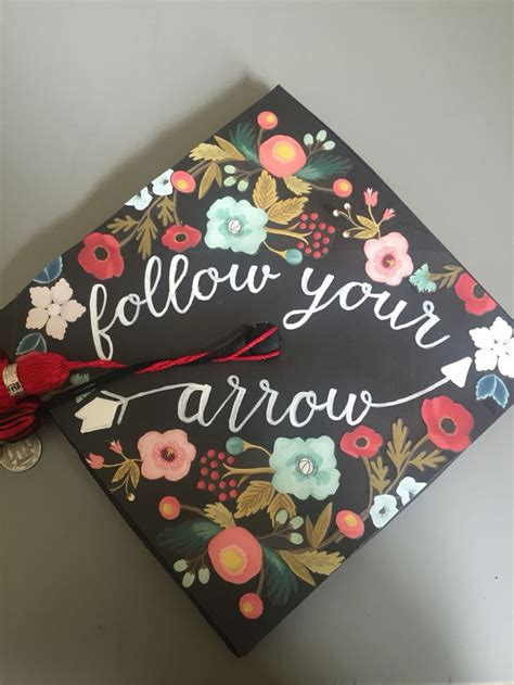how to decorate graduation cap 104 best images about graduation caps on pinterest