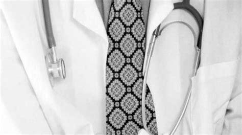 asl pavia medici entra in ospedale per un attacco di cuore e muore per