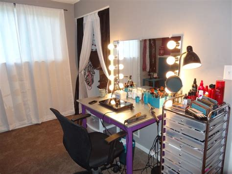 Handmade Makeup Vanity - diy vanity mirror make up room
