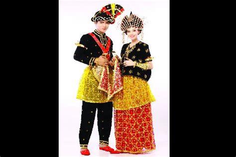 Baju Tarian Jawa gambar dan nama baju adat tradisional daerah suku di 33 provinsi newhairstylesformen2014