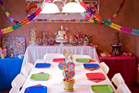 Candyland Table Decorations by The Centerpieces And Table Of Treats In Candyland