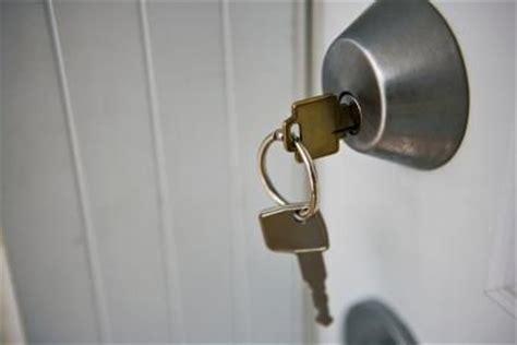 Front Door Lock Sticking Stuck Deadbolt Lock Locksmiths Talklocal