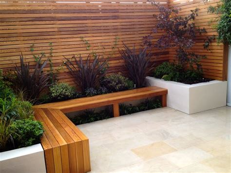 small courtyard design best 25 small courtyard gardens ideas on pinterest
