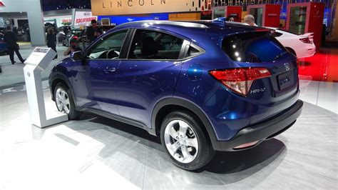 crossover honda 2016 2016 honda hr v attacks small crossover market la debut