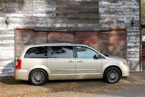 chrysler town country dodge grand caravan facelift
