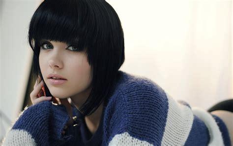 black hair website gallery blue eyes melissa clarke model women looking at