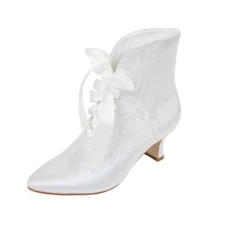 Wedding Booties For by Wedding Boots For Brides Wardrobelooks