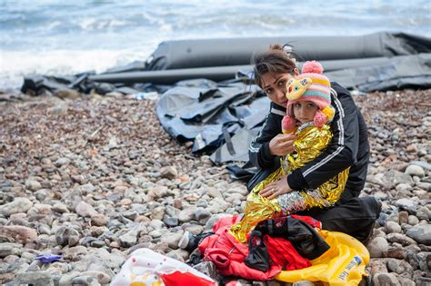 refugee crisis europe boat refugee crisis in europe caritas