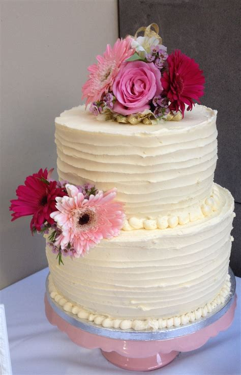 10 inch unicorn cake wedding cake 10 inch bottom 8 inch top vanilla buttercake