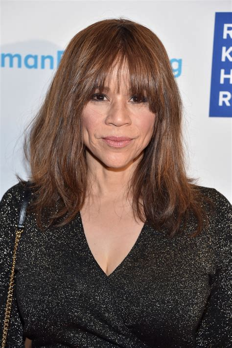 does rosie perez wear a wear rosie perez hair wig rosie perez hairstyle wig medium