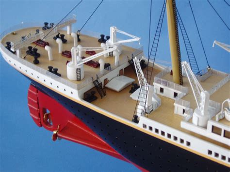 model boat sinking titanic sinking model www imgkid the image kid has it